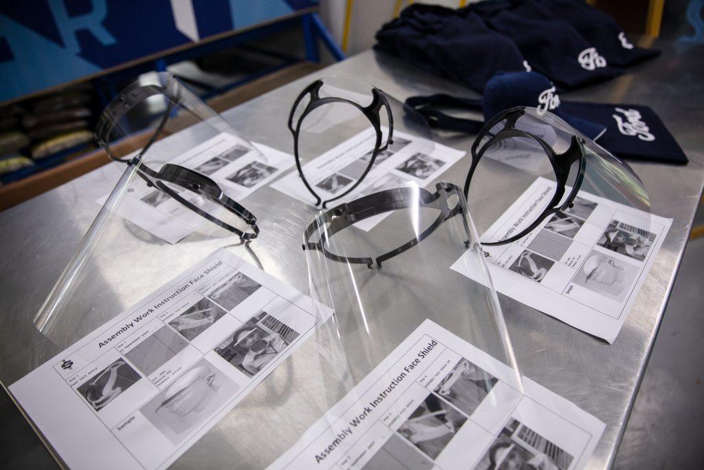 ฟอร์ดและสุภาวุฒิร่วมส่งมอบหน้ากากป้องกันใบหน้า 10,000 ชิ้น สนับสนุนองค์กรพันธมิตรศูนย์ FRECกรุงเทพฯ