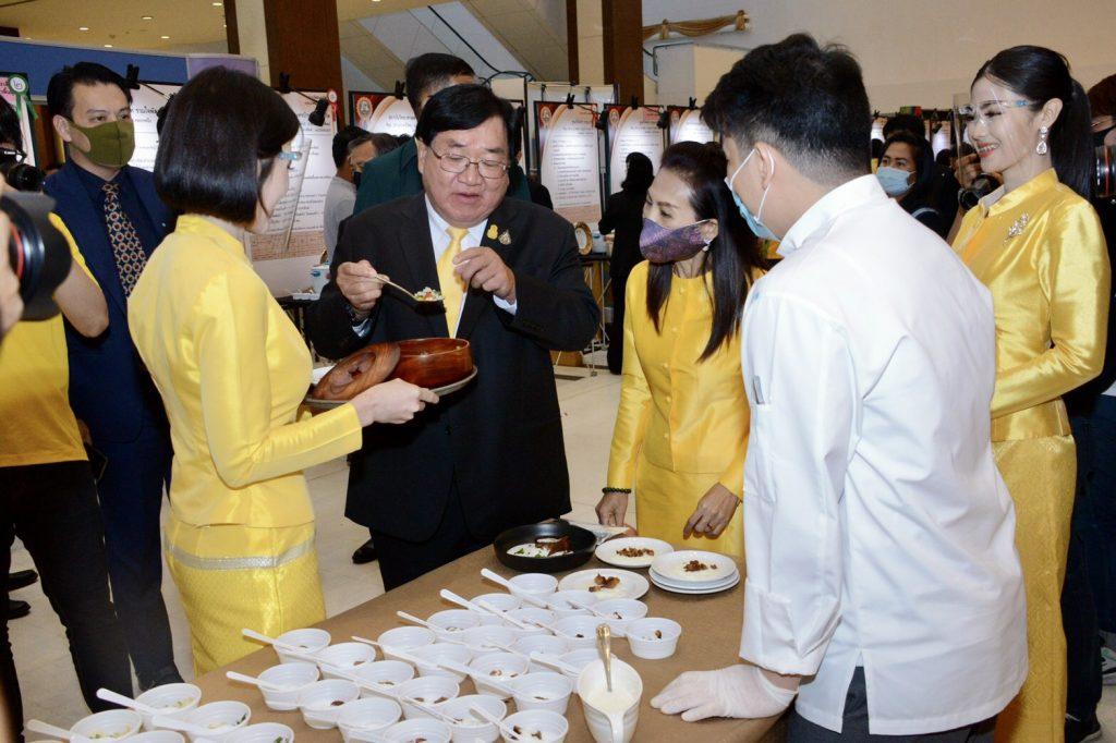 รัฐมนตรีช่วยเกษตรฯ ตั้งเป้าทวงแชมป์ส่งออกข้าว จับมือทุกภาคส่วน ตั้งธงเลือกตัวแทนพันธุ์ข้าวทีมชาติไทย