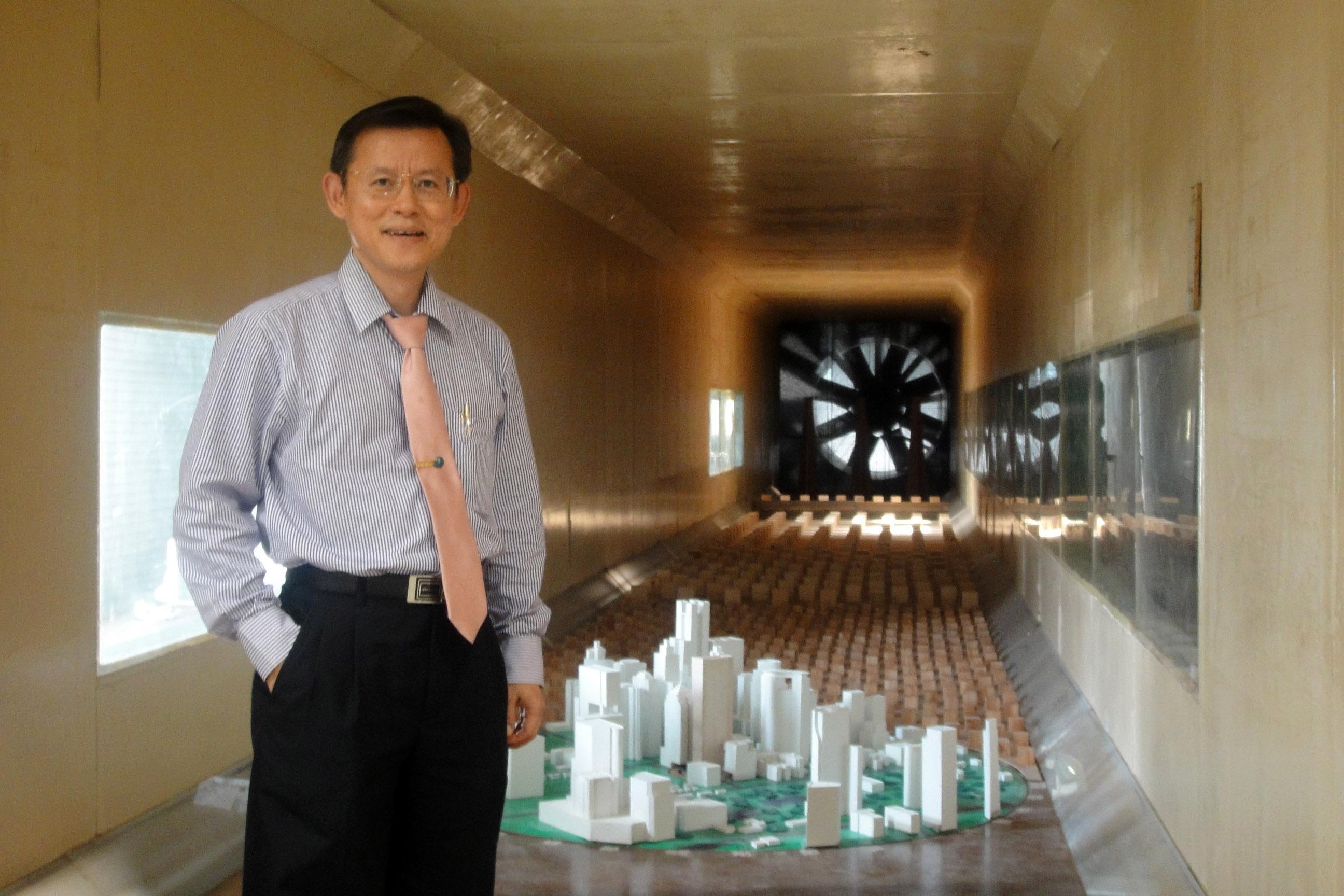 """ใหญ่สุดในไทย ! วิศวฯธรรมศาสตร์ จับมือ เอไอที ชูศักยภาพ """"แล็บอุโมงค์ลม""""    รองรับการก่อสร้างเมกะโปรเจกต์ อาคาร สะพาน ลดการพึ่งพาต่างชาติ"""