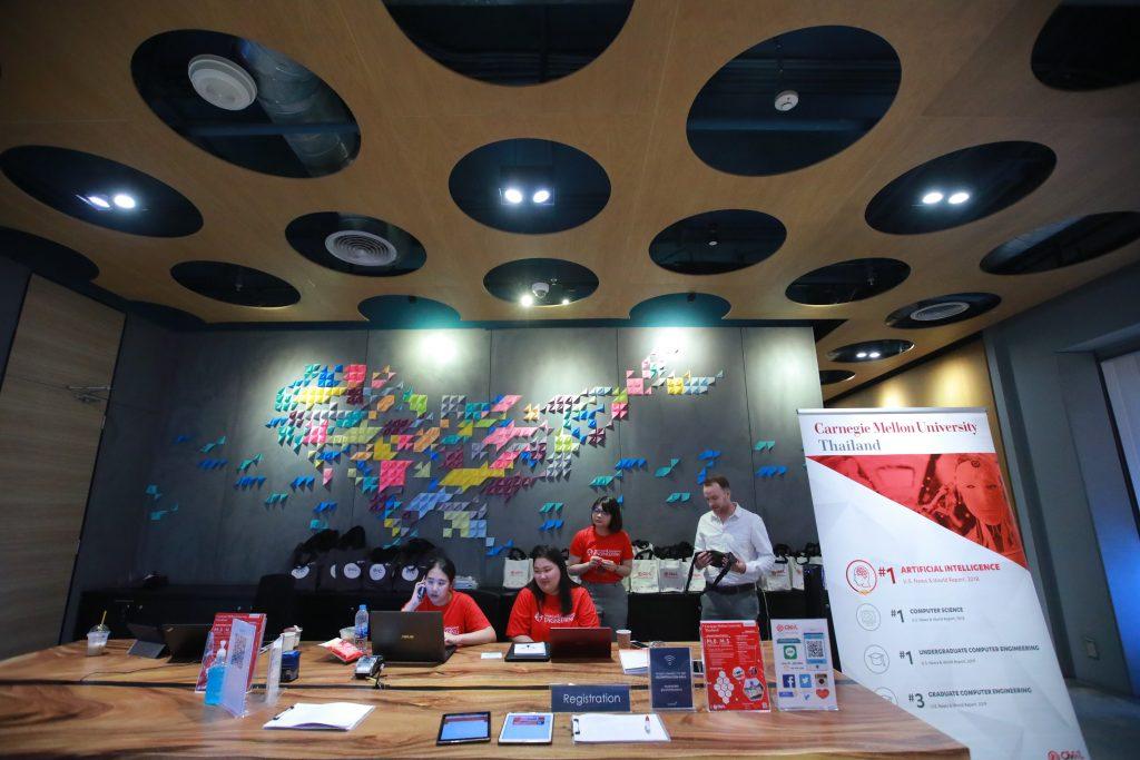 มหาวิทยาลัยซีเอ็มเคแอล เปิดโครงการมอบทุนป.โท หลักสูตรวิศวกรรมไฟฟ้าและคอมพิวเตอร์ และ หลักสูตรนวัตกรรมการบันเทิง ช่วยเหลือนักศึกษาไทยฝ่าวิกฤตโควิด-19